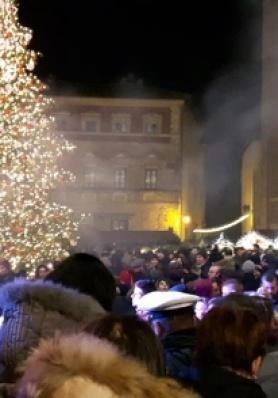 Grande successo di pubblico per la Festa di San Silvestro 2017 e Capodanno 2018 a Montepulciano ...